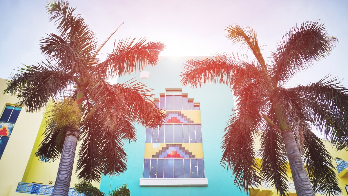 resize__The-Most-Instagrammable-Art-Deco-Buildings-in-Miami
