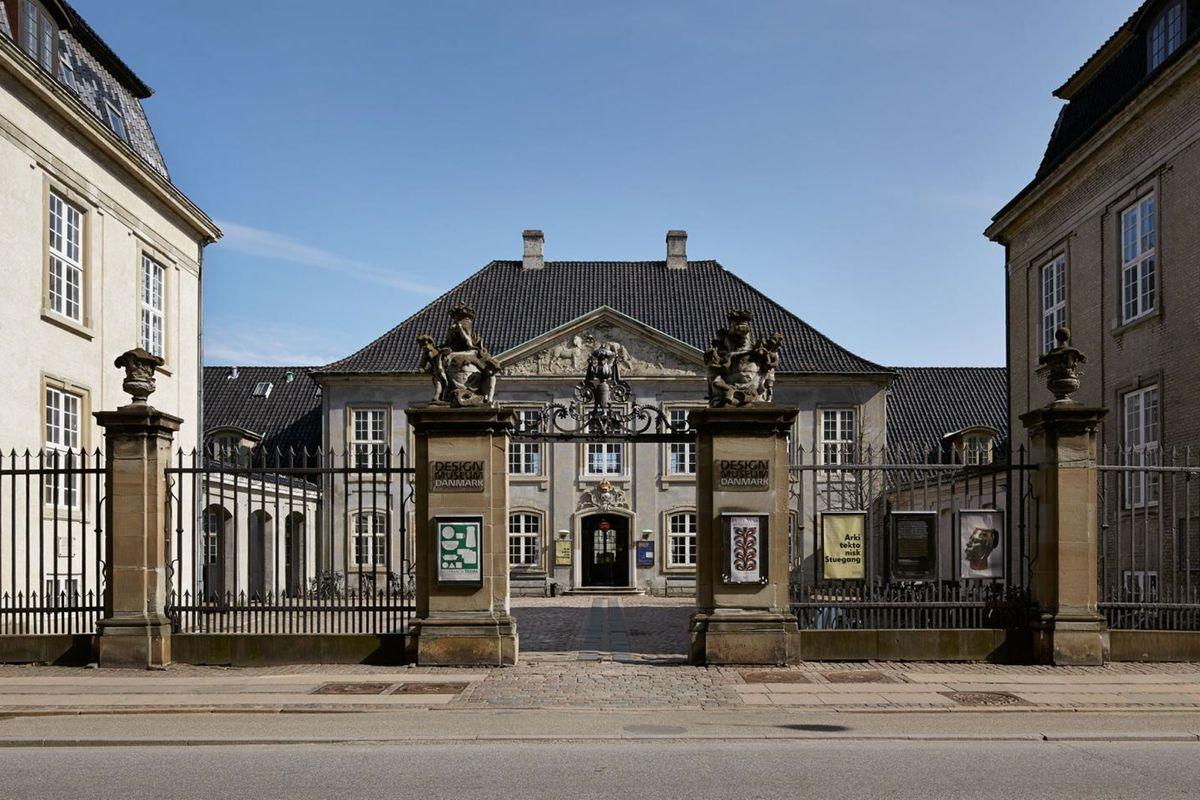 designmuseum danmark in copenhagen parallel. Black Bedroom Furniture Sets. Home Design Ideas