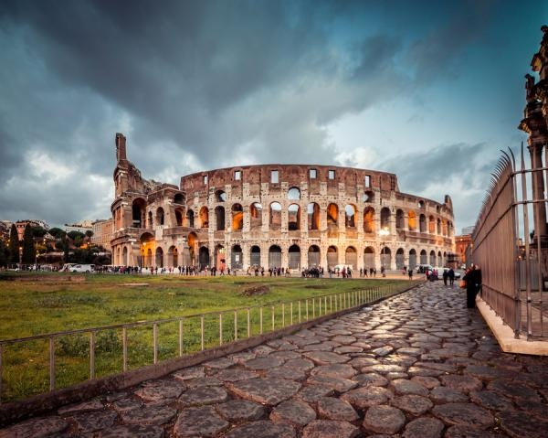 bigstock-Colosseum-in-Rome-at-sunset