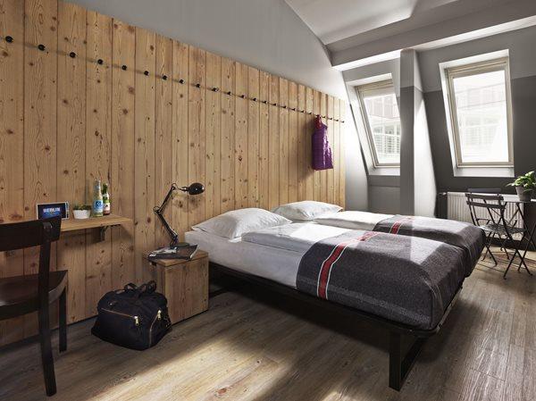Design Hostel Berlin | Generator Hostel Mitte Buche Mehrbett Oder Private Zimmer In