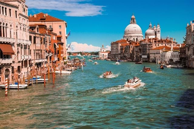 The-Very-Best-Chruches-and-Cathedrals-in-Venice-Header-Image